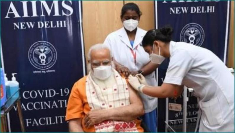 PM नरेंद्र मोदी ने ली कोरोना टीके की दूसरी खुराक, कहा- 'वायरस को हराया जा सकता है'