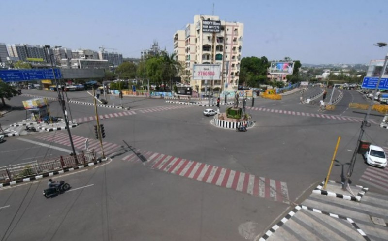 इंदौर-उज्जैन में 19 अप्रैल तक टोटल लॉकडाउन, जानें क्या है आपके शहर का हाल