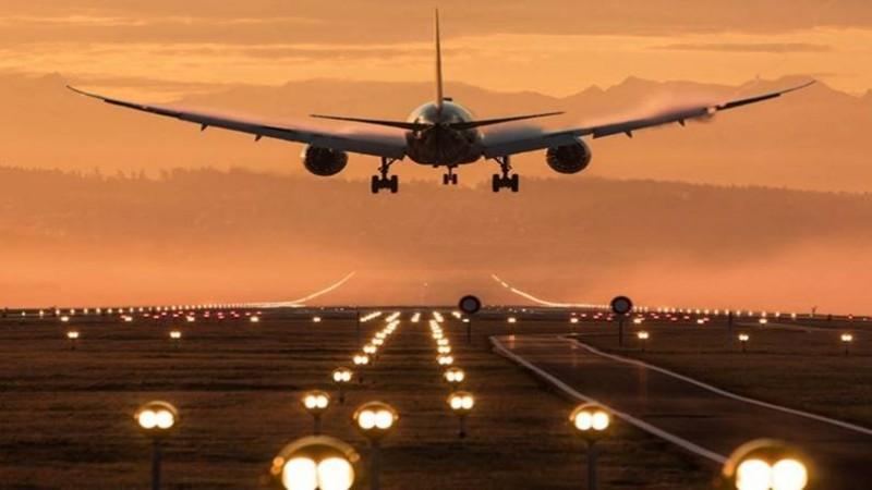बंगलुरु से दिल्ली आ रहे विमान को मिली बम से उड़ाने की धमकी, मामला जानकर हो जाएंगे हैरान