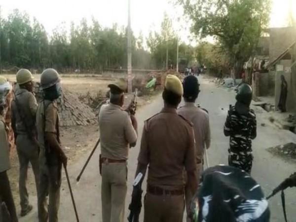 यूपी पंचायत चुनाव: प्रतापगढ़ में वोटिंग के दौरान बवाल, 8 बूथों पर दोबारा होगा मतदान