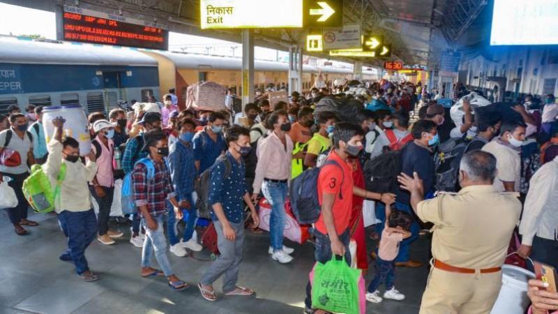 कोरोना संकट में भारतीय रेलवे ने प्रवासियों को दी राहत, घर पहुंचाने के लिए चला रहे है ये 5 स्पेशल ट्रेन
