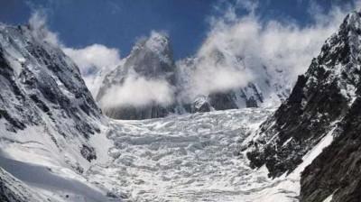 Glacier avalanche near Indo-China border, 291 people rescued
