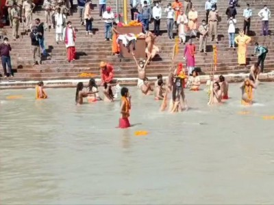 Haridwar Kumbh: Last Shahi Snan started following corona protocol