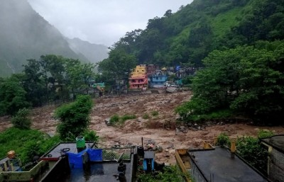 Helicopter reaches Pithoragarh, rescue work resumes