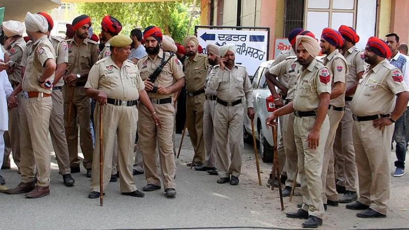 पंजाब: 86 मौतों के बाद एक्शन मोड में सरकार, 100 ठिकानों पर छापे, 25 गिरफ्तार