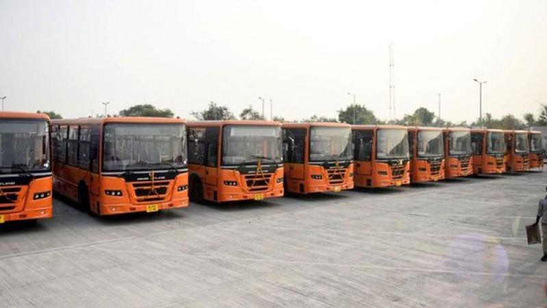 दिल्ली सरकार का बड़ा ऐलान, राखी के दिन सड़कों पर उतरेंगी DTC की सभी बसें