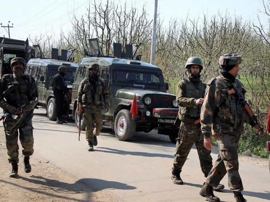 Jammu and Kashmir: Encounter continues in Shopian, one Indian soldier killed