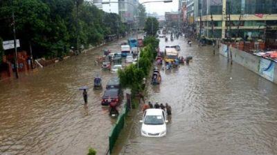 Heavy rain in Mumbai, Met department issues red alert