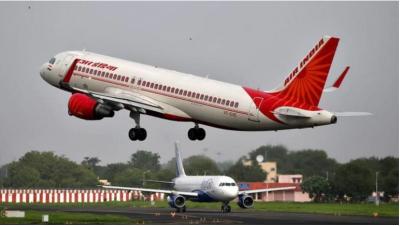 कश्मीर में मची हड़बड़ी का जमकर लाभ उठा रहीं विमानन कंपनियां, वसूल रहीं मनचाहा किराया
