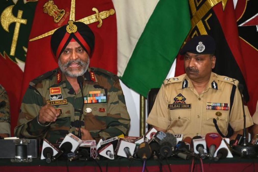 भारतीय सेना ने 'क्लस्टर बम ' के उपयोग से किया इनकार