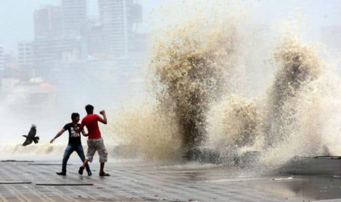 मुंबई में भारी बारिश और हाई टाइड का दोहरा अलर्ट, समुद्र में उठेंगी 5 मीटर ऊंची लहरें