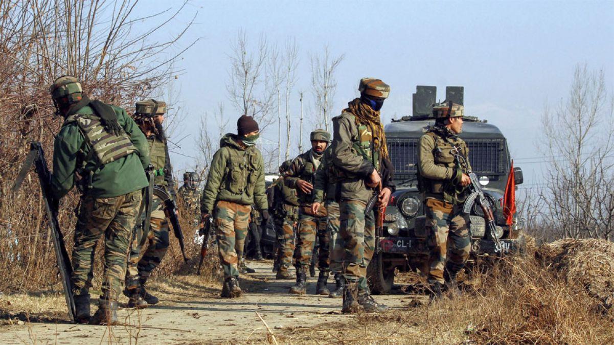 जम्मू कश्मीर में घुसपैठ की बड़ी कोशिश नाकाम, सेना की फायरिंग से डरकर उलटे भागे आतंकी