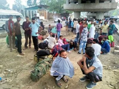 Section 370: Crowds at the bus and railway station of valley, migrants returning