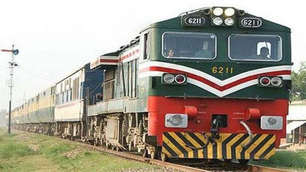 पाकिस्तान का एक और बौखलाहट भरा फैसला, भारत-पाक के बीच चलने वाली थार एक्सप्रेस भी रोकी