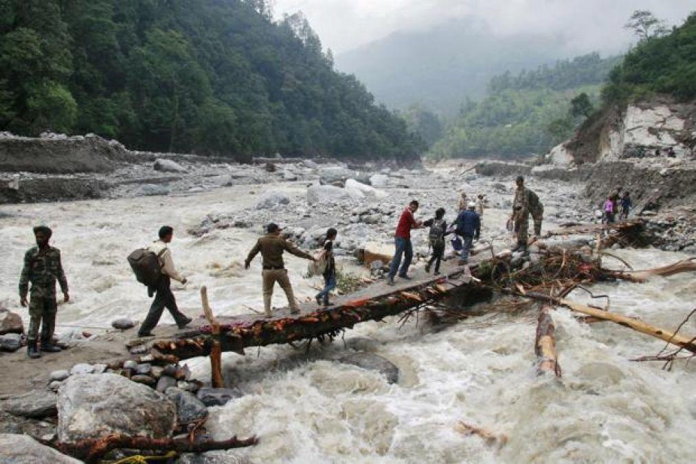 उत्तराखंड में कहर बनकर बरसी बारिश, 5 लोगों की मौत, कई विस्थापित
