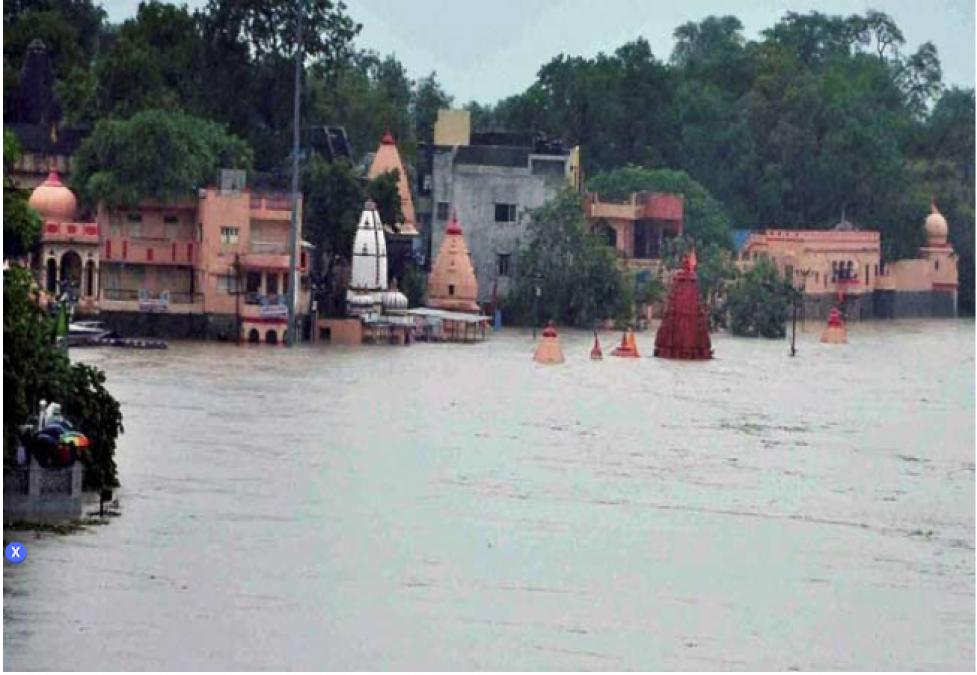 महाकाल की नगरी में शिप्रा का उग्र रूप, कई मंदिर हुए जलमग्न