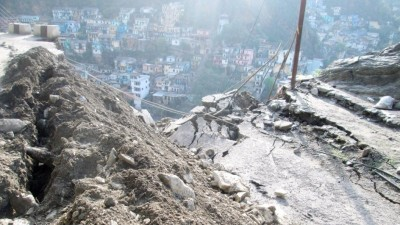 Continuous rain cause damage to people in Uttarakhand