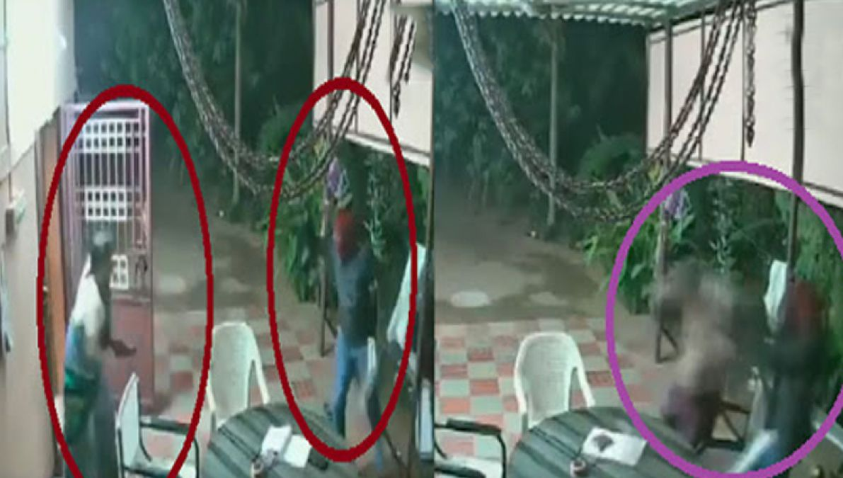 VIDEO: Robbers sneaked into the elderly couple's house, attacked from behind and...