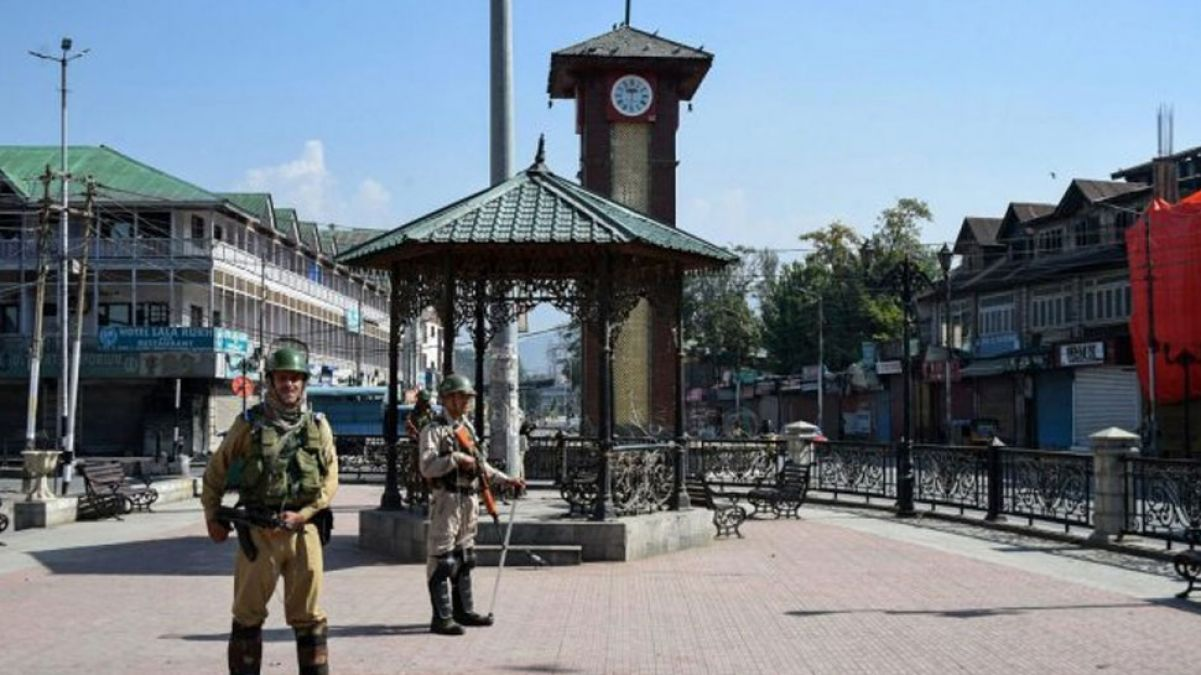 Tricolour to be hoisted in Lal Chowk on India's 73rd Independence Day; Ayodhya Youths leave for Kashmir