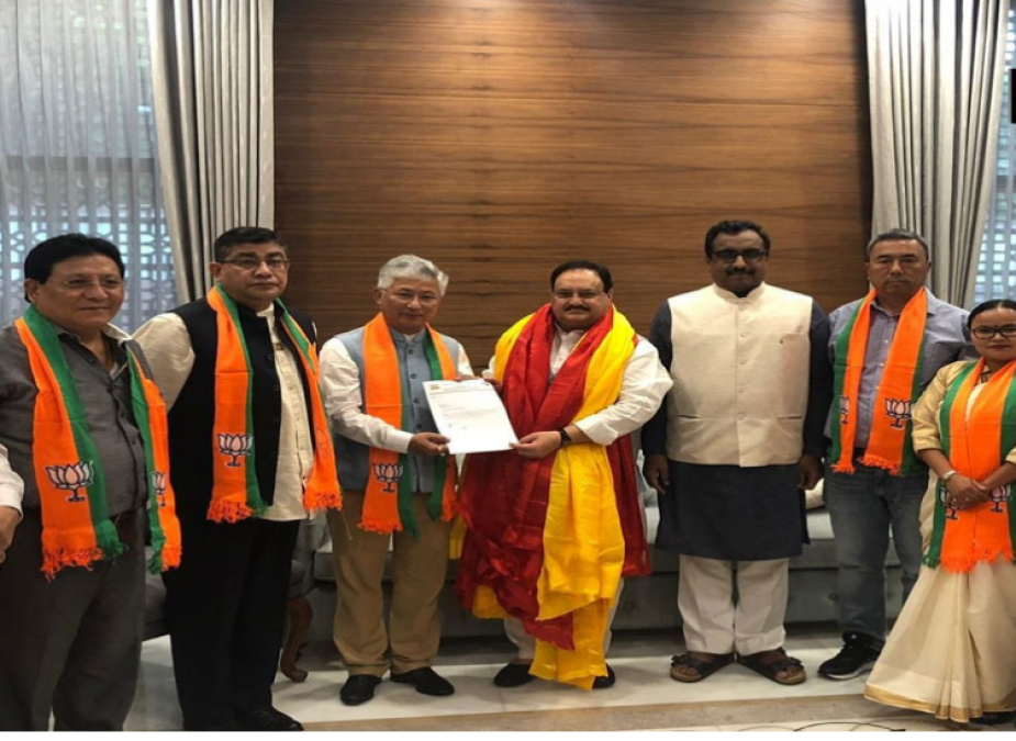 A major setback to the SDF in Sikkim, 10 MLAs join BJP