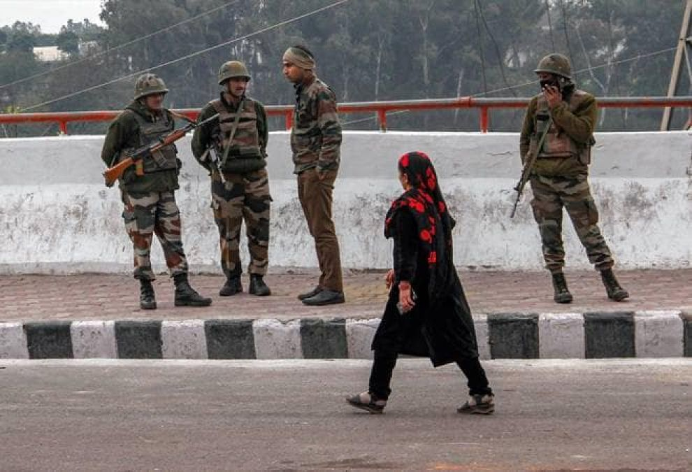 ISI may carry out major terror attacks in Kashmir