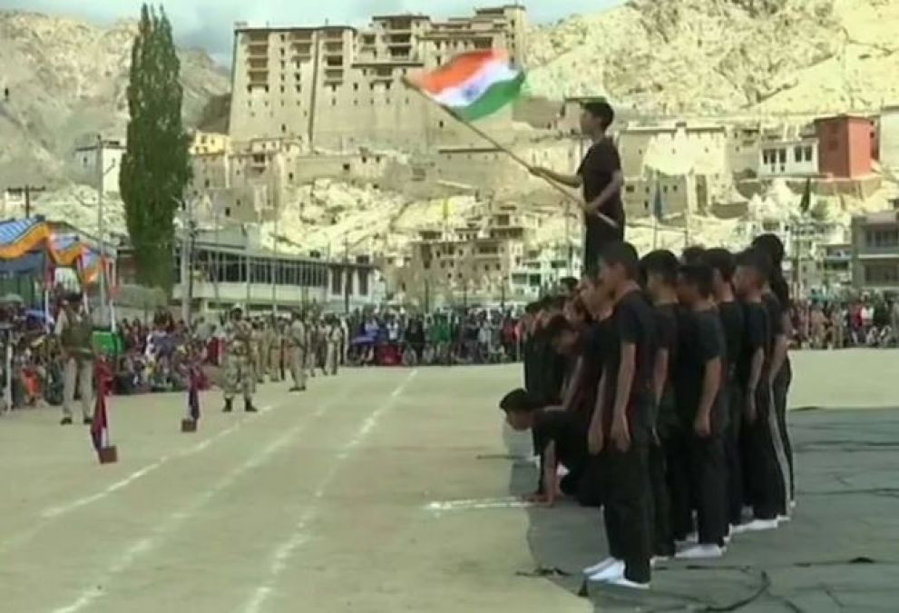 J&K governor Satyapal Malik hoisted the tricolor at Sher-e-Kashmir Stadium