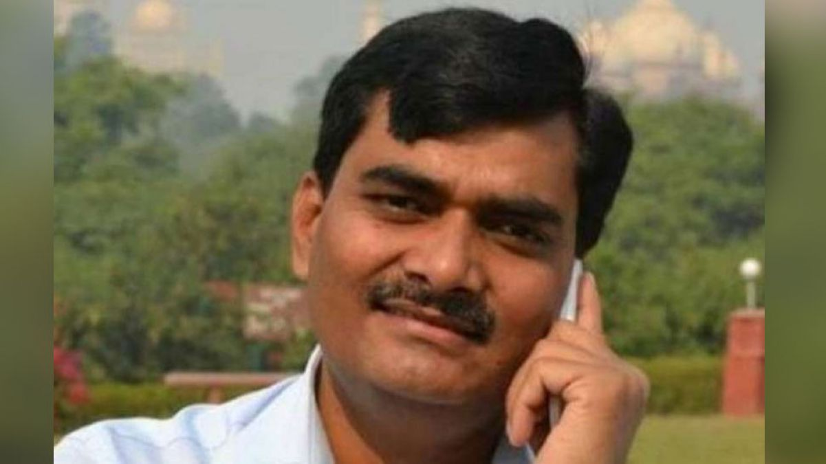 Shahjahanpur DM Indra Vikram Singh gives a controversial statement on a pregnant woman