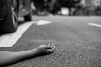 Four youngsters going on a bike, 3 died in a road accident, one injured
