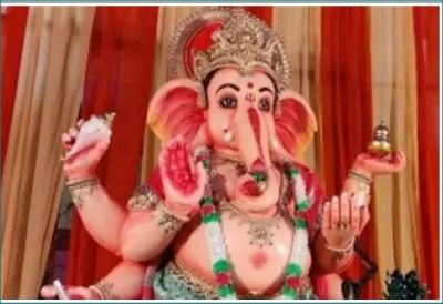 Ganesh idol's installation in Khairatabad, MLA offers 10 kg silver