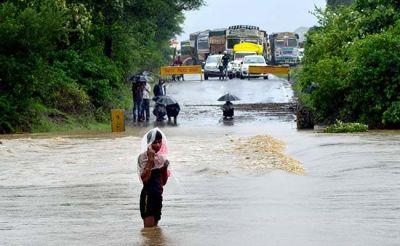मध्य प्रदेश में बारिश ने बढ़ाई लोगों की मुश्किलें, कई जिलों में बाढ़ ने मचाई तबाही
