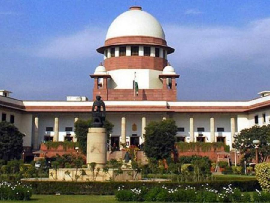 SC hearing on section 370, a constitution bench of five judges, notice to center on