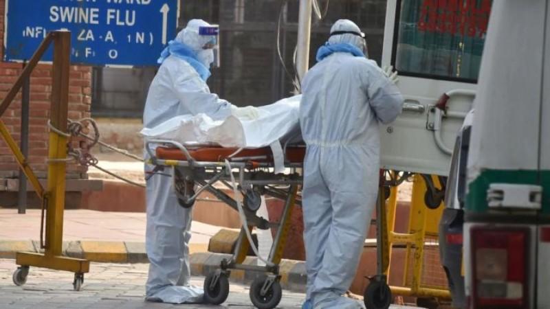 दिल्ली में बेकाबू हुआ कोरोना, एक दिन में 100 से अधिक मरीजों की मौत