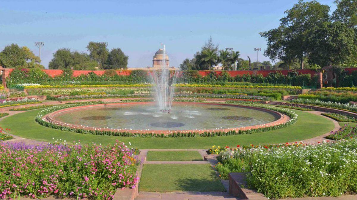 अब उठी 'मुग़ल गार्डन' का नाम बदलने की मांग, हिंदू महासभा ने दिया ये प्रस्ताव