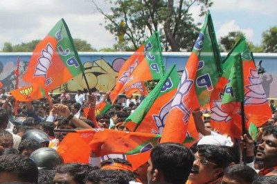 Deadly game started in Bengal before elections, BJP rally attacked, 2 injured