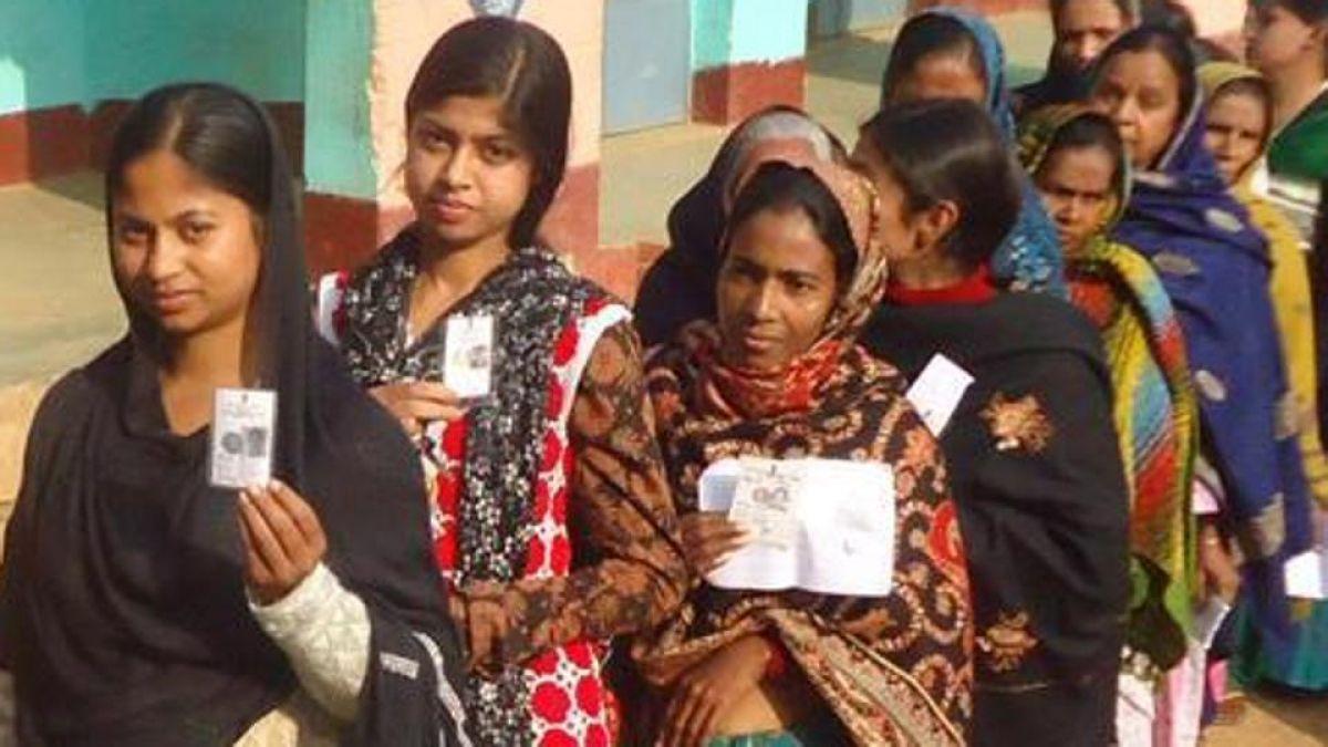 झारखंड विधानसभा चुनाव: दूसरे चरण के लिए मतदान जारी, चप्पे-चप्पे पर पुलिस तैनात