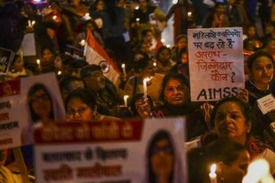 Unnao case: Women protested by taking out candle march, said- 'Innocent should be given justice'