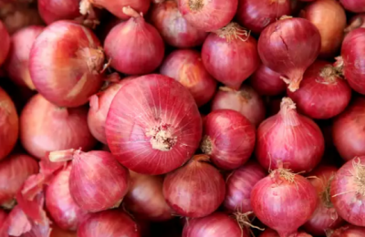 Onion helps in hair growth, know other benefits