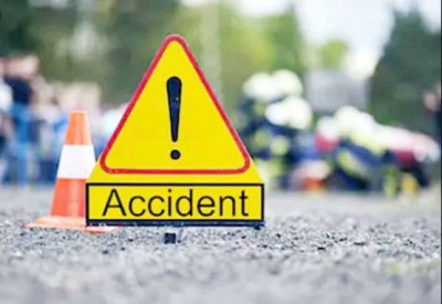 Bihar: Bike rider hit standing truck due to fog, died in agony