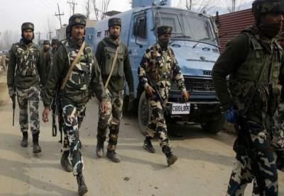 Terrorist attack in Srinagar, panic among people