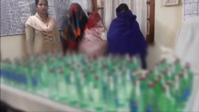 Women smuggling illegal liquor in Bihar, GRP police arrested 3 ladies