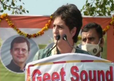 'Will you do well by force ...?' Priyanka Gandhi roared in Bijnor farmers mahapanchayat