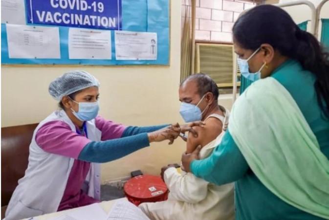 मार्च से 60 वर्ष के अधिक आयु वालों को लगने लगेगी कोरोना वैक्सीन, सभी को नहीं मिलेगी मुफ्त