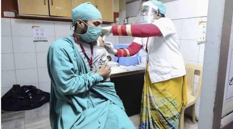 देश में अब तक कितने लोगों को लगी कोरोना वैक्सीन ? स्वास्थय मंत्रालय ने दिया जवाब