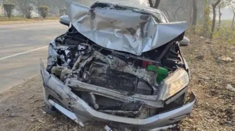 कटिहार में खड़े ट्रक में जा घुसी तेज रफ़्तार स्कॉर्पियो, एक ही परिवार के 6 लोगों की मौत
