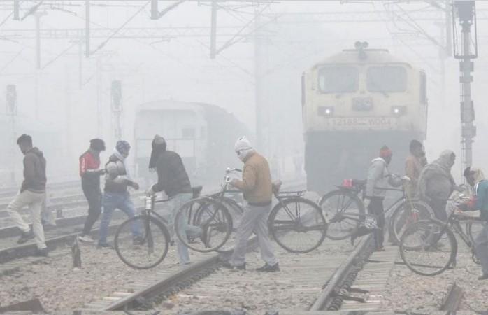 मकर संक्रांति पर दिल्ली में कड़कड़ाती ठंड, 4.4 डिग्री पहुंचा पारा