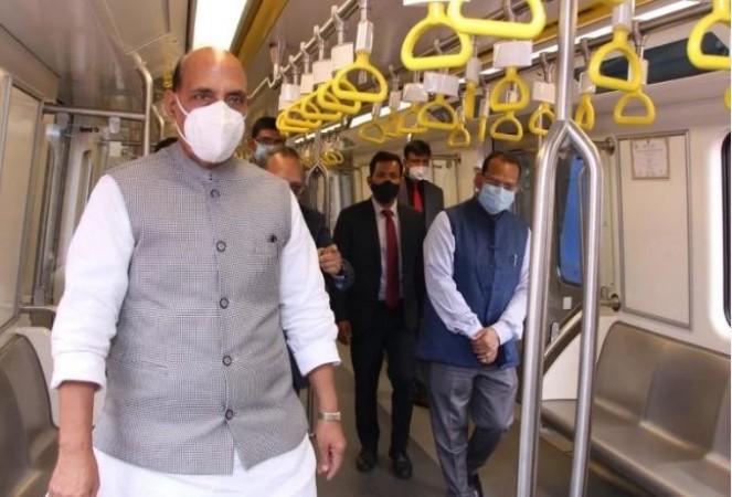 राजनाथ सिंह ने किया देश की पहली स्वदेशी चालक रहित मेट्रो कार का उद्घाटन