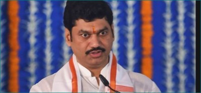Resignation of Minister Dhananjay Munde cancelled, woman says 'I will step back'
