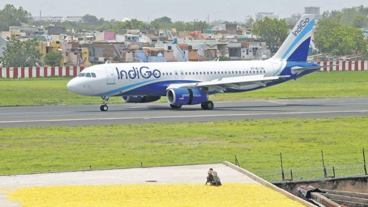 इंडिगो विमान ने इमरजेंसी घोषित की,रास्ता बदलकर जयपुर की जगह पहुंचाया मुंबई