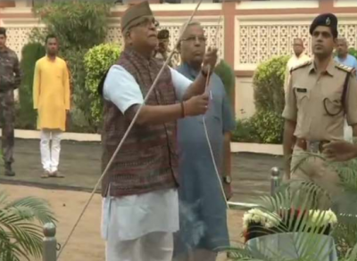 Tricolor waved at RSS headquarters, large number of volunteers present