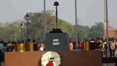 Two pilots who were accidentally hit by IAF missile will receive gallantry medals posthumously